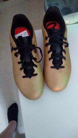 Chuteiras de futebol Adidas - nr36