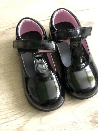 Туфли детские лаковые