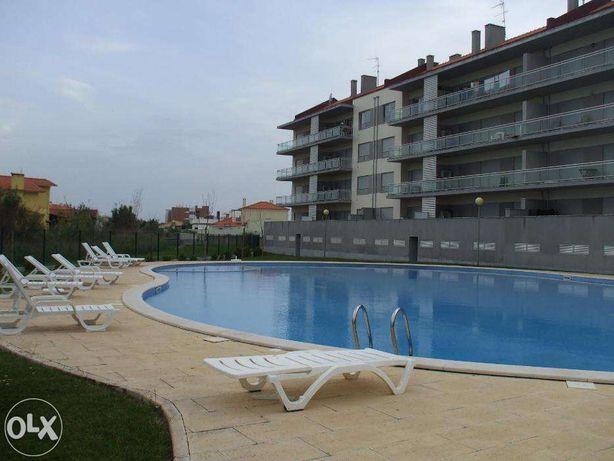 Apartamento T2 Com Piscina em São Martinho do Porto