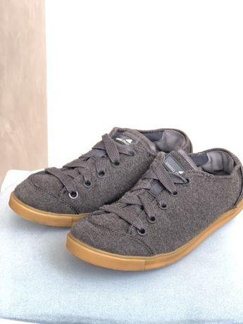 Продам серые кеды Adidas 36 размер