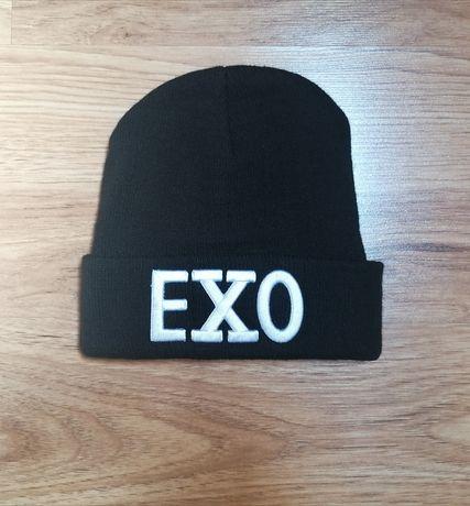 Czarna czapka EXO