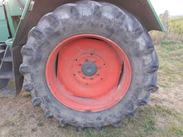 Koła opony rolnicze Pirelli 520/70 R38 Fendt Ursus John Deere