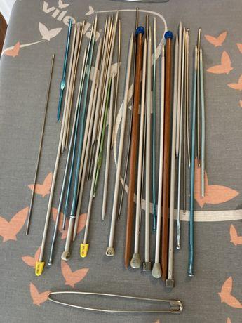 Conjunto de varias agulhas para crochet