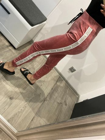 Spodnie dresowe welurowe