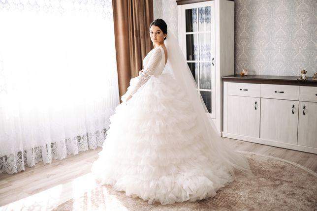 Весільна сукня під Mila Nova
