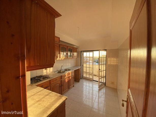 Apartamento T3, Duplex ,Centro de Condeixa (V617PL)