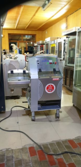 Хлеборезка для пекарни Автомат Wabama из Германии