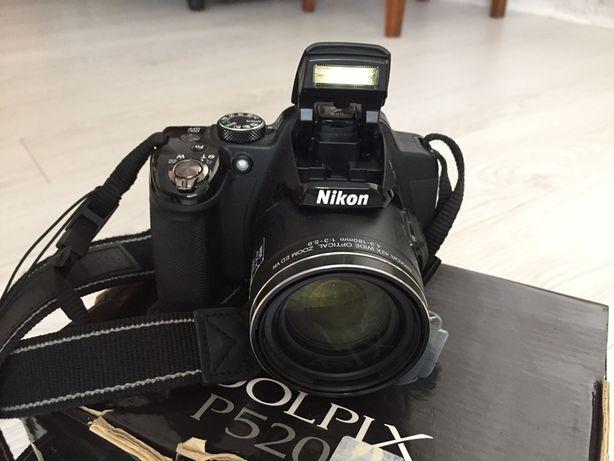 Фотоапарат Nikon p520