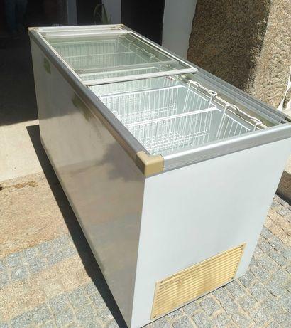 arca congeladora com porta de vidro