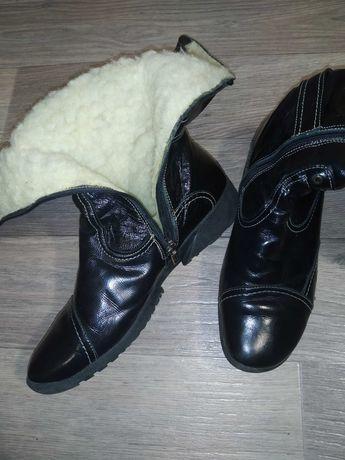 Жіноче шкіряне взуття(сапоги)