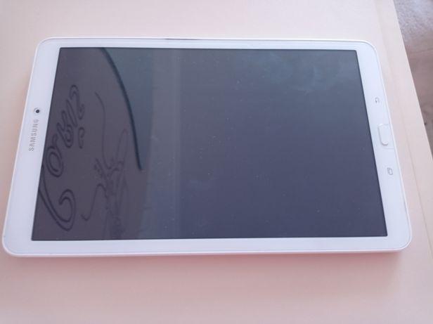 "Планшет Samsung Galaxy Tab E 9.6"" White (SM-T560NZWASEK)"
