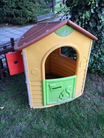 Domem dom Smoby na działke ogród