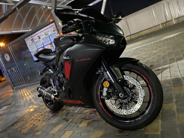 Honda Cbr1000rr 2018(8)