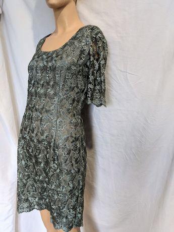 Шикарное кружевное платье ( предлагайте цену)