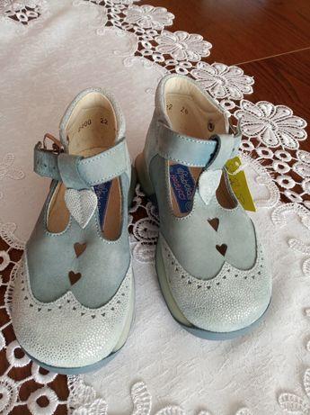Туфли кожаные на девочку 22 размер