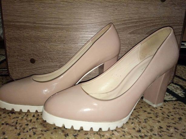 Продам туфлі стан б/у