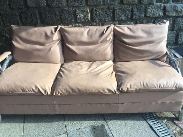 Kanapa, sofa brązowa, nierozkładana
