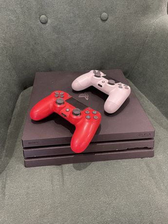 Playstation PS4 PRO 1TB + 2 comandos