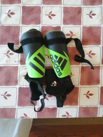 Caneleiras Adidas ( Verde fluorescente e Preto)