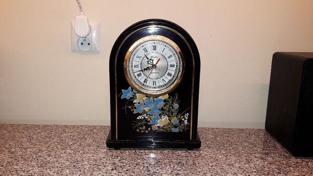 Zegar kwarcowy stojący