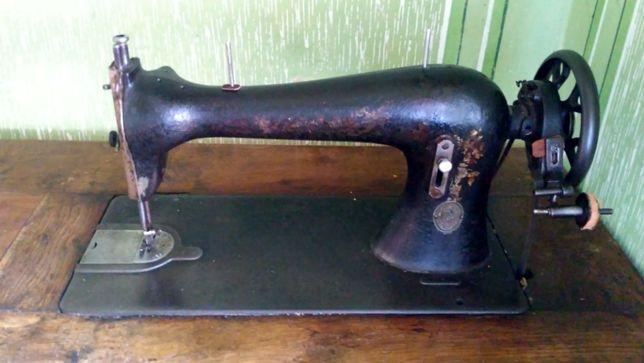 Швейна машинка Zinger.