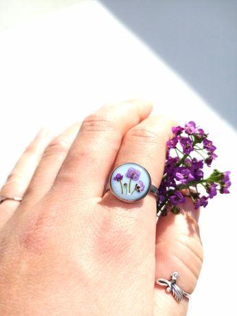 Кольцо с цветами, кольцо из эпоксидной смолы, кольцо медсталь