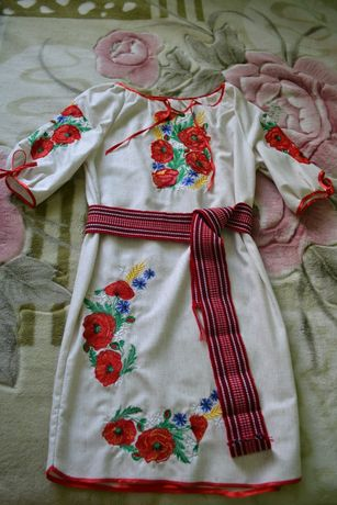 Сукня вишита