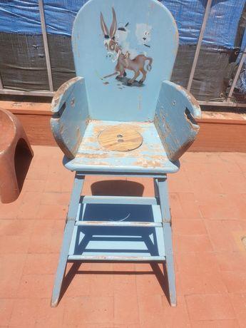 Cadeira antiga de criança madeira