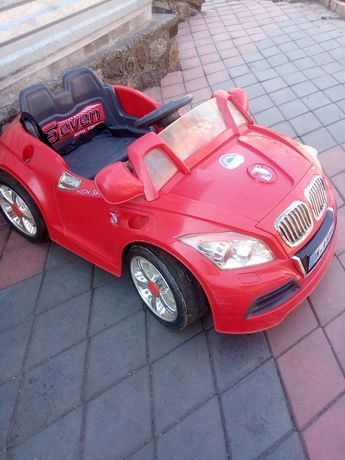 Продам детский автомобиль в хорошем состоянии