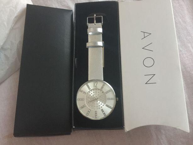 Продається годинник Avon, 200грн
