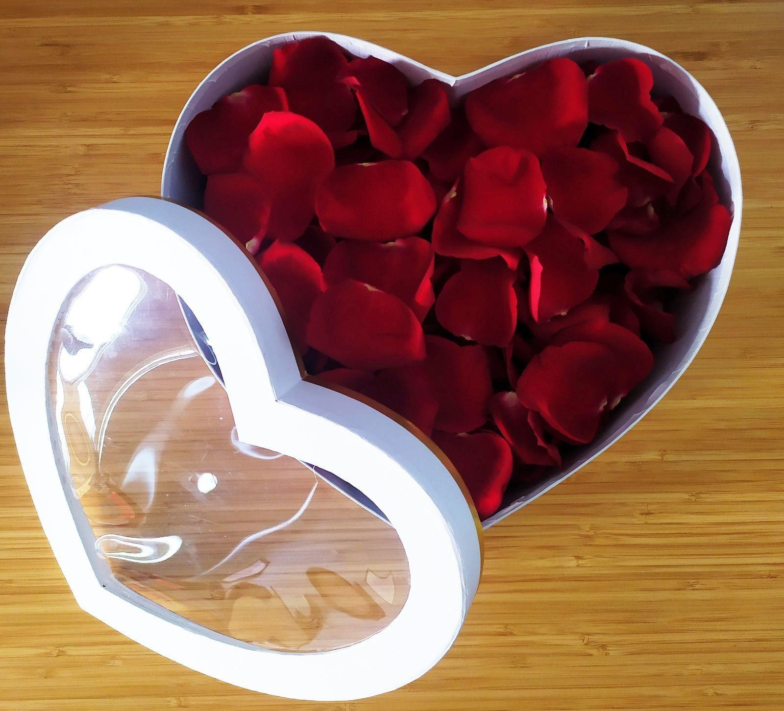 Płatki Róż SWIEŻE ! Dekoracje na Ślub,Oświadczyny, Romantyczny Wieczór