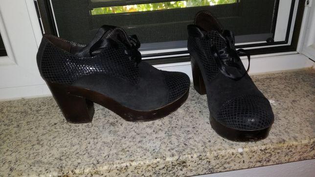 Sapatos pretos (última baixa de preço)