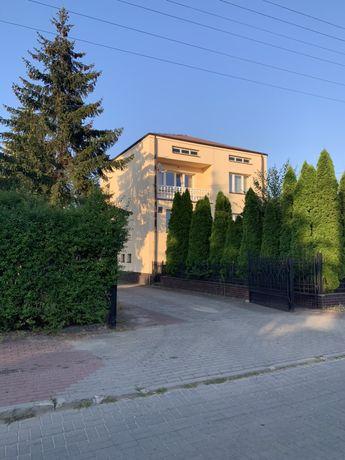 Dom lub pokoje i kwatery dla pracujących