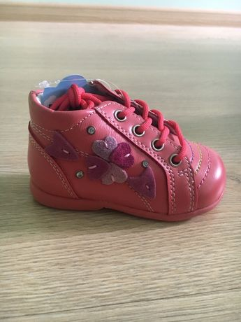 Полуботинки, ботинки, туфли для девочки