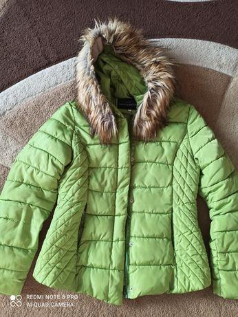 Жіноча курточка весна- осінь