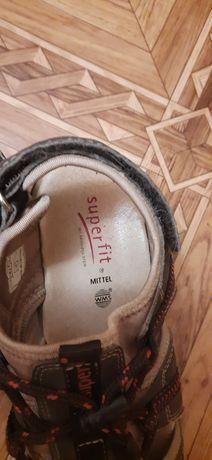 Босоножки, сандали 38р.