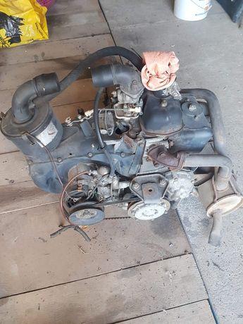 Silnik ze skrzynia biegów. Fiat 126p