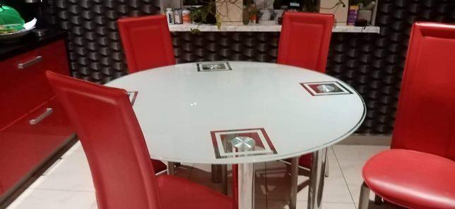Stół plus 4 krzesła