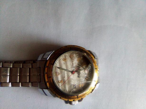 1000 руб без торга рабочии часы РЕКОРД ОРИГИНАЛ нужно заменить стекло!
