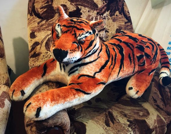Плюшевый тигр мягкая игрушка