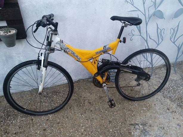 Bicicleta parada já muito tempo