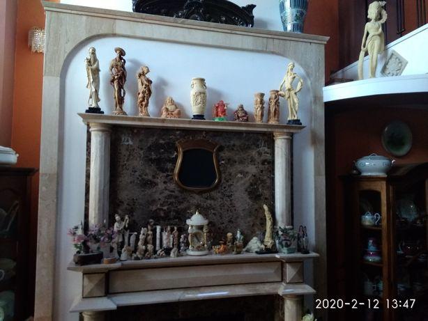 Chińskie figurki, rzeźby, kość, alabaster - ozdoby na kominek