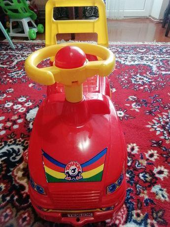 Продам детский автомобиль