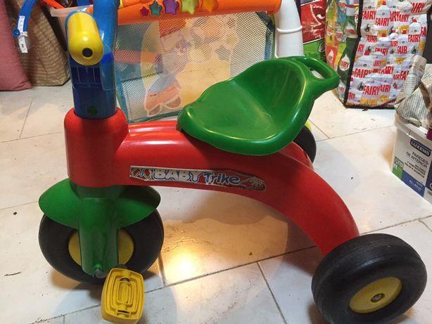 Triciclo criança 2 aos 4 anos