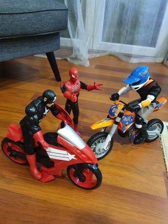 Figuras Marvel e Actionman