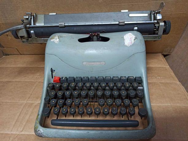 Máquina de escrever Olivetti Lexikon 80