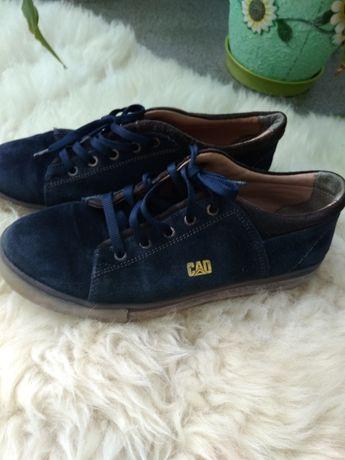 Продам обувь 37раз на мальчика . Замшевые.Весна-Осень.Недорого.