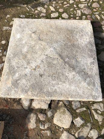 Czapa granitowa