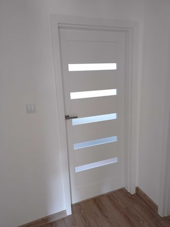 Drzwi wewnętrzne Fresno białe gładkie