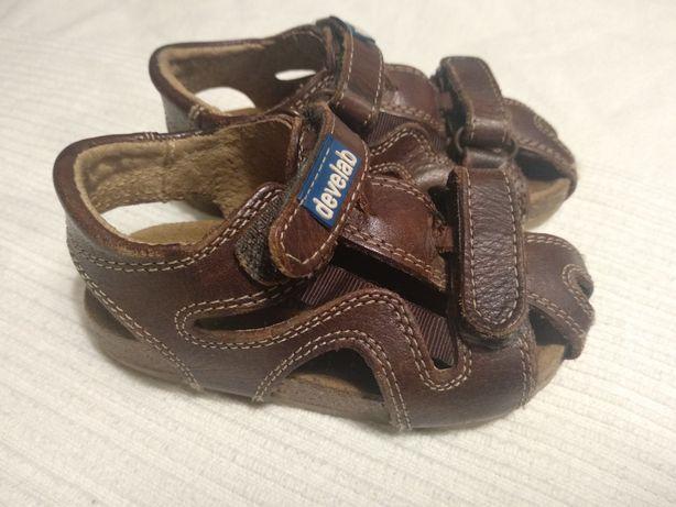 Skórzane sandałki rozmiar 21
